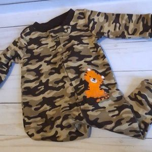 Baby boy camouflage zipper sleeper with tiger